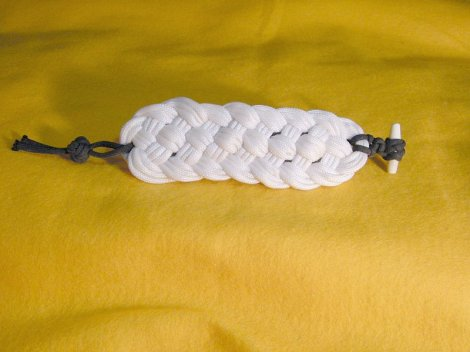 Bracelet_Prolong Knot of 3 Passes 7 Bights Per Side